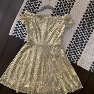 GRACE KARIN SIZE SMALL GOLD SEQUINS DRESS.